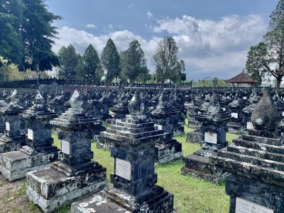 バリ島の歴史に触れる「マルガ英雄墓地」墓地編