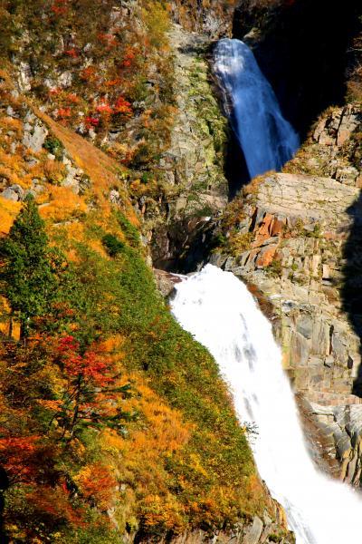 称名滝へ紅葉狩りに