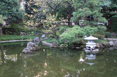 横浜公園の日本庭園へ・・・