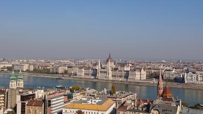 リフレッシュ休暇ひとり旅。世界の車窓から。ハンガリーで温泉入ろ。