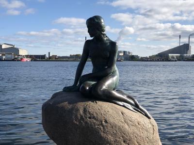 コペンハーゲンの人魚像に35年ぶりのご挨拶