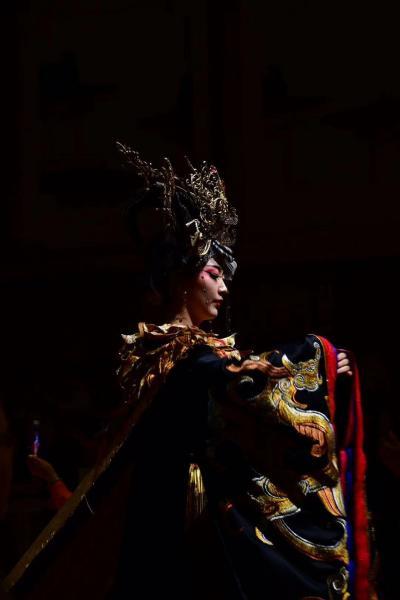 唐楽宮で夢のような唐歌舞ショーを撮影