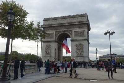 2019秋旅(1) 70代シニア夫婦 旅の始まりは花の都パリから