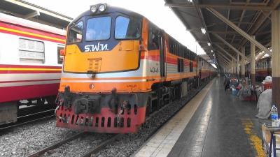 たった18円!で楽しませてくれる上に ドンムアン国際空港へ行ける タイ国鉄 旧型客車の鈍行列車