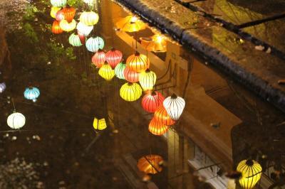 幻想的なランタンの街並みを味わう雨季ダナン旅。