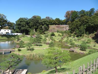 秋の北陸ロマン(22)玉泉院丸庭園:金沢城の石垣を組み入れた大名庭園