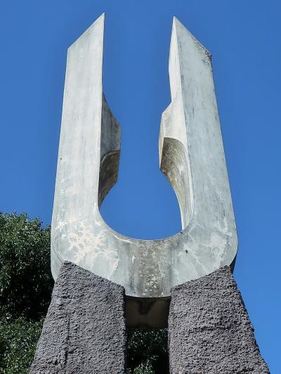 龍王峡-1 野岩鉄道 龍王峡駅下車 歩きはじめ-記念碑を見て ☆崩落で通行止め-迂回区間も