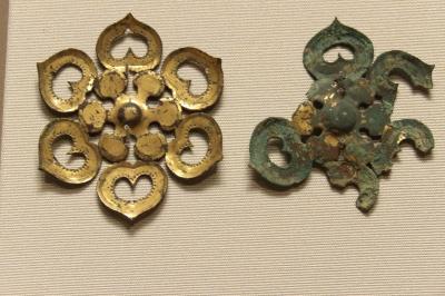 東洋館「朝鮮半島」では5~6世紀のハート形の六花形装具