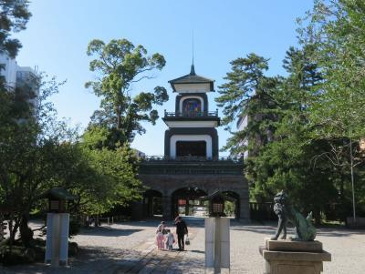 秋の北陸ロマン(23)加賀藩祖を祀る尾山神社。神門が見たくて