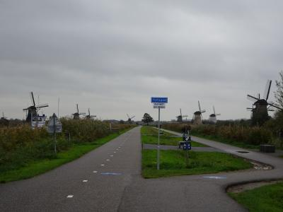 古いアルバムに綴ってある写真を辿る旅。オランダ (後編)  今回はトラブル無しの旅行?