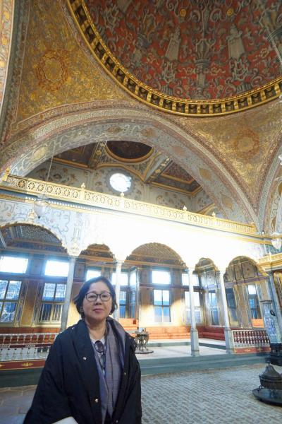 トラピックス「トルコ大周遊15日間」(3)ツアーのスタートはトプカプ宮殿の見学から始まり、25年振りのハマムの美しい装飾に息をのむ。