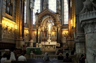 リヨン旧市街をぶらり♪ケーブルカーで絢爛豪華なフルヴィエール教会も プロヴァンス・リヨンの旅14