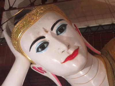 ミャンマー 「行った所・見た所」 ヤンゴンのチャウタッジーパゴダを参拝