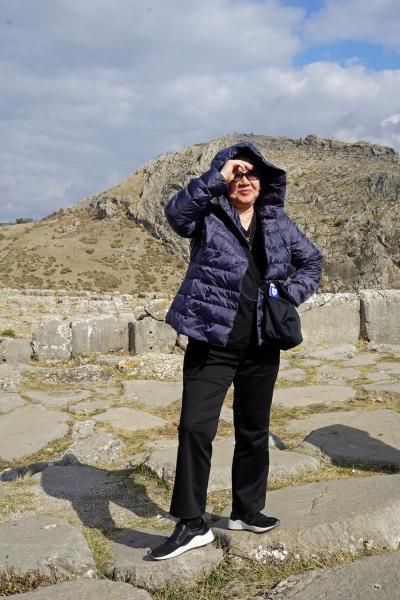 トラピックス「トルコ大周遊15日間」(6)広大なハットゥシャシュ遺跡をバスで走り回り、カデシュの戦いに想いを馳せながらシワスへ向かう。