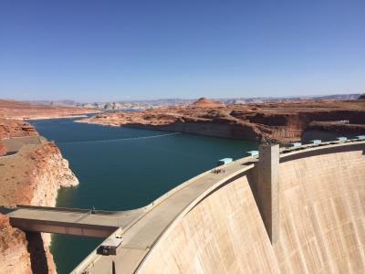 アリゾナ州 ページ ー グレン キャニオン ダム