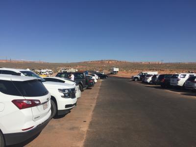 アリゾナ州 ページ ー 料金所ゲートができて有料になったホース シュー ベンドは駐車場が整備されていました。2007年から4回目