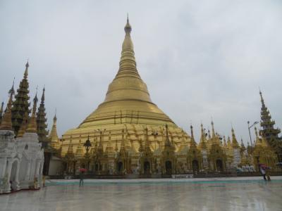 ミャンマー 「行った所・見た所」 ヤンゴンのシュエダゴンパゴダを参拝・散策