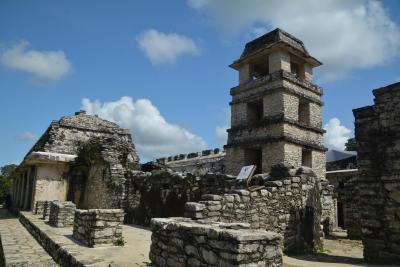 ビバ メヒコ パレンケからパレンケ遺跡へ行きました。
