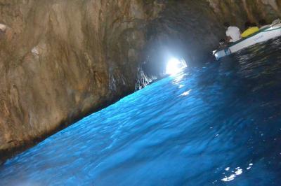 3週間でヨーロッパ女子旅~カプリ島で青の洞窟攻略~