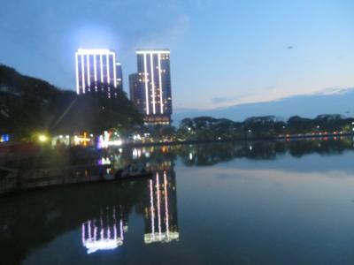 ミャンマー 「行った所・見た所」 ヤンゴン(レストランふるさと・市街地のマハバンドゥーラ公園散策・カンドーチ湖)