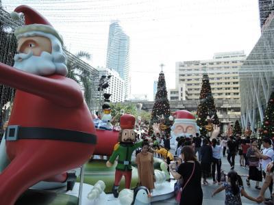 2017年12月 バンコク(タイ)1 セントラルワールドプラザのクリスマス・願いが叶う祠・日本食材のスーパー