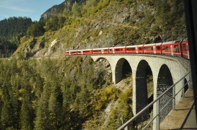 ~ 美しきアオスタとスイス5大名峰8日間 ~ レーティッシュ鉄道アルブラ線 & ベルニナディアヴォレッツァ展望台