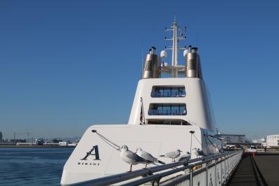 ロシアの大富豪の豪華クルーザーMOTOR YACHT Aが名古屋港に来港