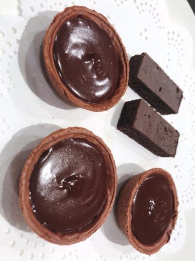 濃厚な生チョコタルト! 無糖カカオラテ