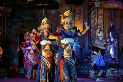 2019年11月バリ島Bali ウブド観光 ウブドの夜はビールと舞踊鑑賞