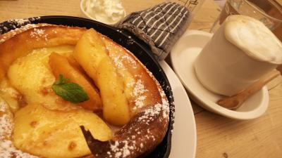 北海道海の幸、森の間カフェダッチベイビーパンケーキ、羽田ではカレーうどん食べてばかり
