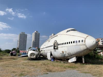 週末土日のバンコクで食べ歩きと飛行機の墓場