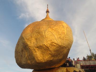 ミャンマーのゴールデンロック(チャイティヨー・パヤ)参拝・散策