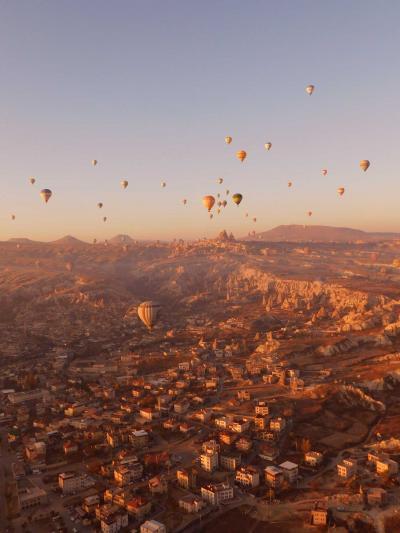 カッパドキアの気球☆不思議な地形の世界遺産を空中散歩