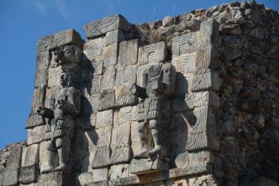 ビバ メヒコ メリダからカバー遺跡へ行きました。