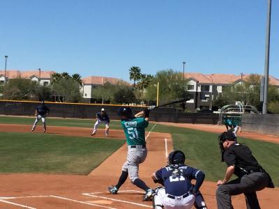 アリゾナ州 ピオリア - マリナーズを見にペオリア スポーツ コンプレックスへ