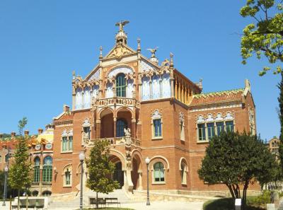 シニア夫婦で地中海クルーズ+ローマ、バルセロナの旅 18日間 no14 バルセロナ2日目 その2 サンパウ病院・カサミラ・カサバトリョ