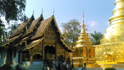 寒い時は温かい国に行こう 初めてのタイ旅行 13 北のバラ チェンマイ観光 の最後は寺院巡り