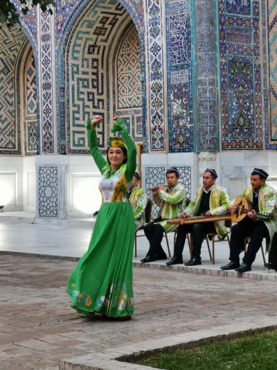 ウズベキスタン2019・・・(3)サマルカンド・その3 寒風のなか、歓迎セレモニーは・・・寒かった
