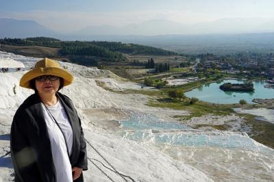 トラピックス「トルコ大周遊15日間」(24)パムッカレの石灰棚に遊び、カラハユットのサーマルホテルパムで温泉三昧。
