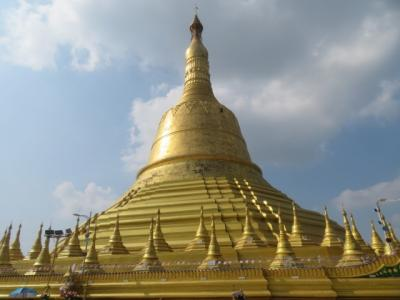 ミャンマー 「行った所・見た所」 バゴーのシュエモードーパヤーを参拝・散策しました