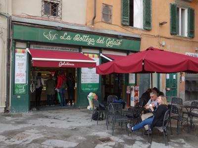 Pisaでジェラート三昧。3軒目。ここもおいしいんだなぁ。