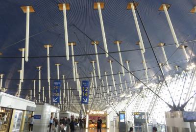 2019秋、中国旅行記25(1/34):11月17日(1):セントレア空港から上海経由で西安空港へ、上海浦東国際空港