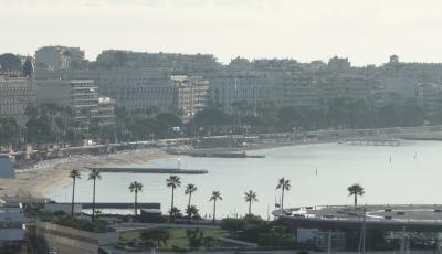 Cannes でも最初は高いところに上りましょう。