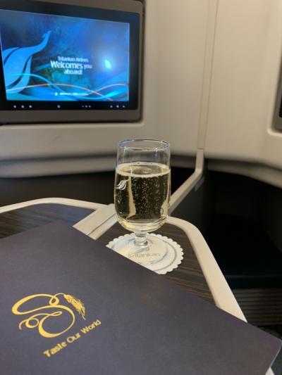 【初モルディブ!11月16日移動日 】スリランカ航空ビジネスクラス搭乗紀