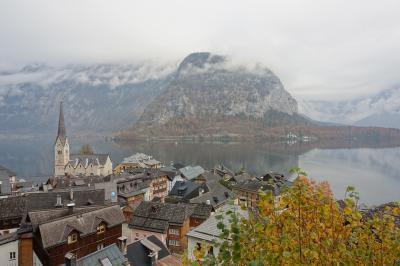 2018年ヨーロッパ旅行:ウィーンから日帰り遠足ーー幽玄の湖畔、秋めく小さな街へ