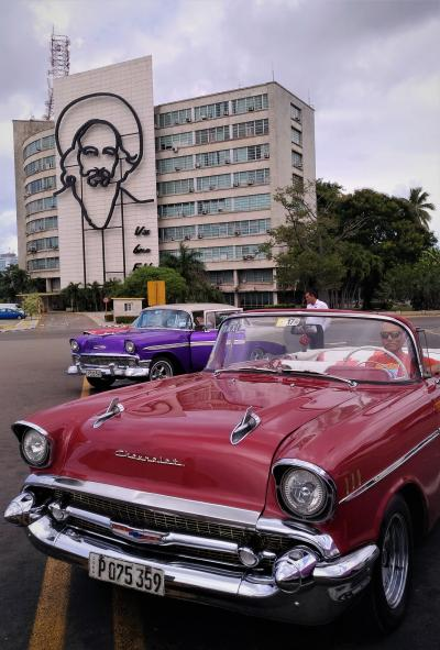 キューバ ハバナでクラシックカーツアーに参加しました。