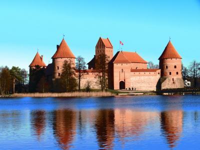 森と湖の国、フィンランドとリトアニアを訪ねて。湖畔の美しい古城トラカイ城編 ④