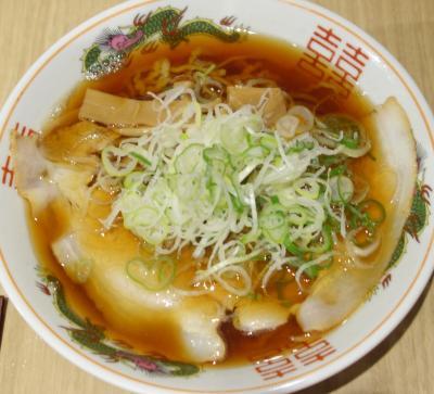 名古屋でラーメンといったら、名古屋驛麺通り。期間限定のお店でいただきました。