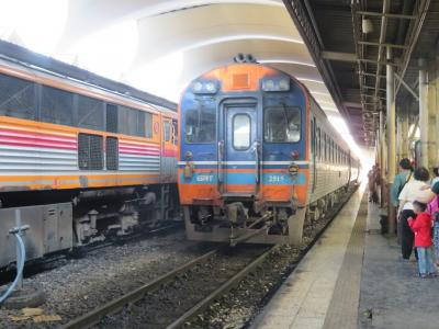 タイ国鉄ジーゼル特急で「プラチュアップキリカン」へ