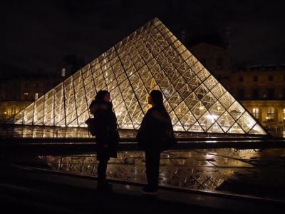 モンサンミッシェル ガイドはつけるべき? ルーブルの夜景 姉妹で行くヨーロッパ旅行6日目